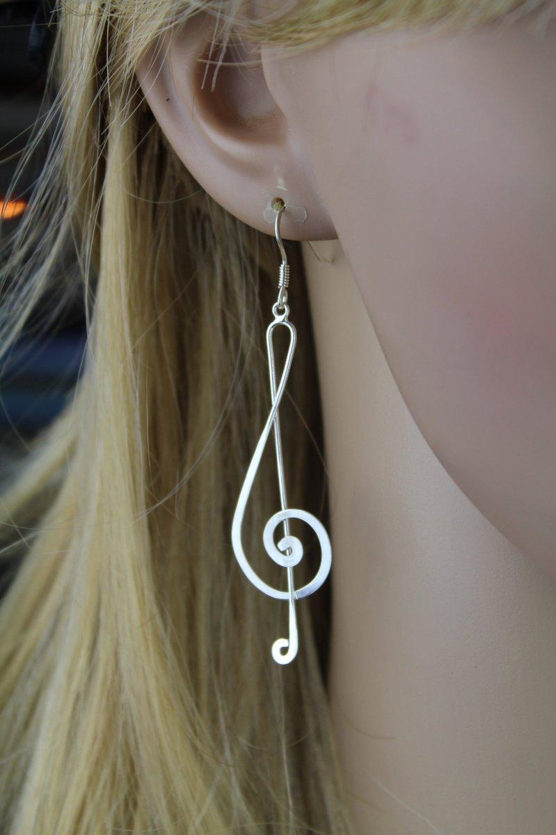 .925 #sterlingsilver #TrebleClef #earrings #MusicLovers Musical #Statementjewelry 3&quot; Long!  #music #longearrings  https:// fringeflowersandfrills.com/epages/2121588 1-cd57-4eb7-969a-6d69536b92a5.sf/en_US/?ObjectPath=/Shops/21215881-cd57-4eb7-969a-6d69536b92a5/Products/S09472 &nbsp; … <br>http://pic.twitter.com/g9F6Eokmk2