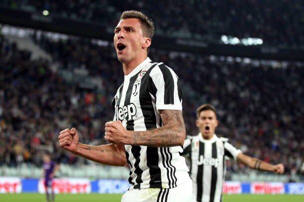 [#SerieA] JUVENTUS - FIORENTINA  5 victoires en 5 matchs pour la Juventus. Mandzukic buteur.  #JUVFIO<br>http://pic.twitter.com/tsMpyldkYh