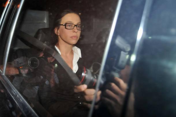 Ex-primeira-dama do RJ, Adriana Ancelmo é condenada a 18 anos de prissão https://t.co/0aBi9IR5eW