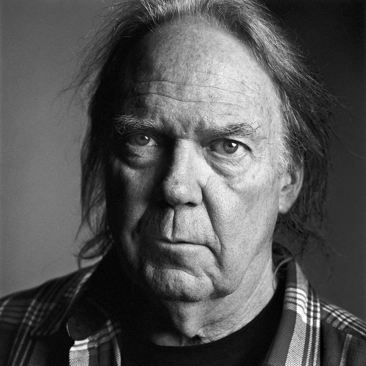 This #Saturday I read from my book #beautifulscars to honour&amp;induct #neilyoung into @canadiansongs Hall Of Fame @Massey_Hall #Toronto<br>http://pic.twitter.com/goIQFqY7If