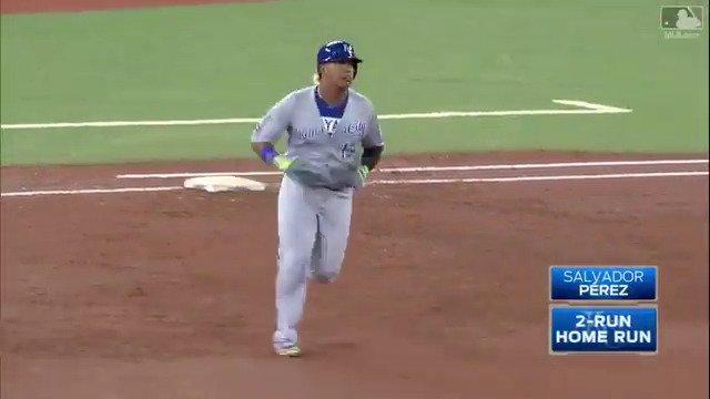 That's how you cap off an 8-run inning. https://t.co/PX3nzpFNEx