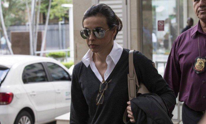 Ex-primeira-dama do estado do Rio Adriana Ancelmo é condenada a 18 anos de prisão. https://t.co/zEP1tCCXnh