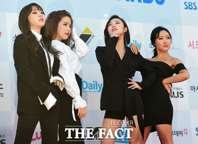 [#PRESS] 20.09.17 – MAMAMOO no Bosang Music Awards.  via: the fact <br>http://pic.twitter.com/hOMvXw5p95