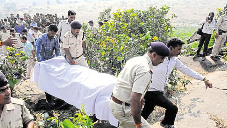 Judicial commission gives clean chit to MP police in #SIMI encounter case, report @shruti26tomar, @punya_mitra  http:// read.ht/B735  &nbsp;  <br>http://pic.twitter.com/knXsr4e4bq