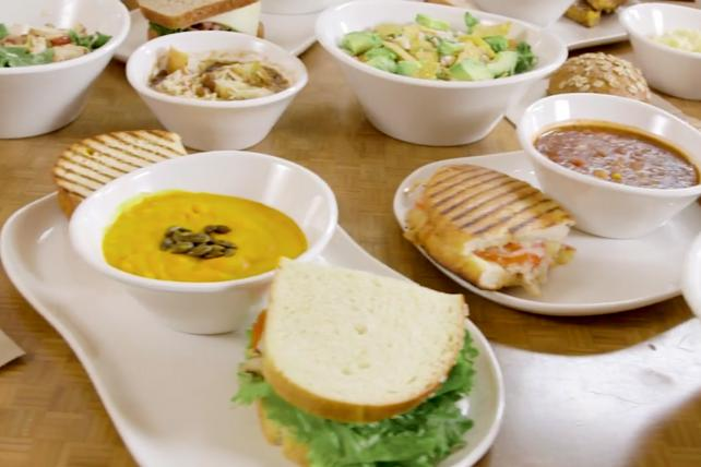 Panera CEO, Ron Shaich, challenges the CEOs of McDonald's, Wendy's and Burger King to improve their kids menus https://t.co/rxqedpYP5f