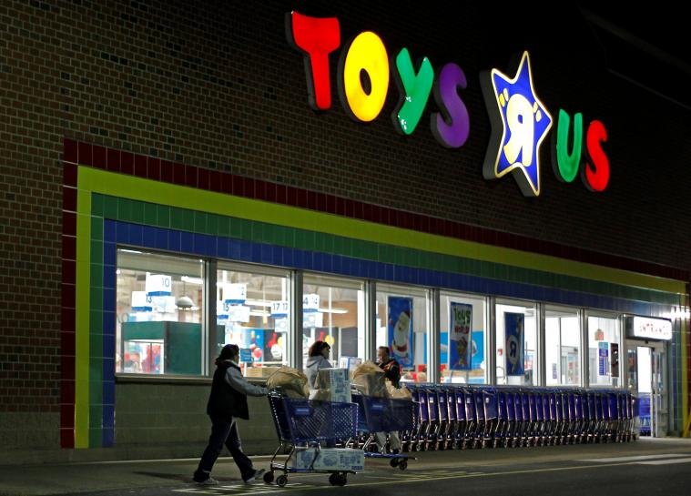 Toys 'R' Us CEO sees future with smaller shops https://t.co/ihBSuRiRT8