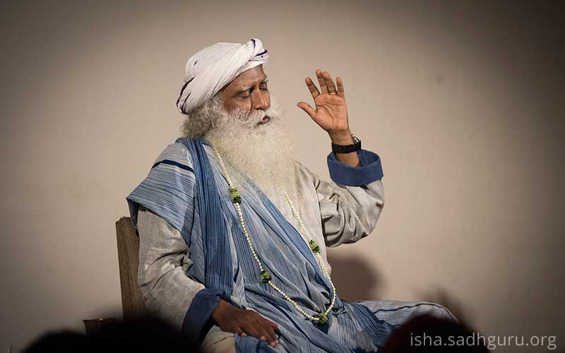 If we cannot keep our minds #peaceful, how can the world be peaceful? The world outside is a reflection of the human mind. #SadhguruQuotes<br>http://pic.twitter.com/23J3Qs7EnB