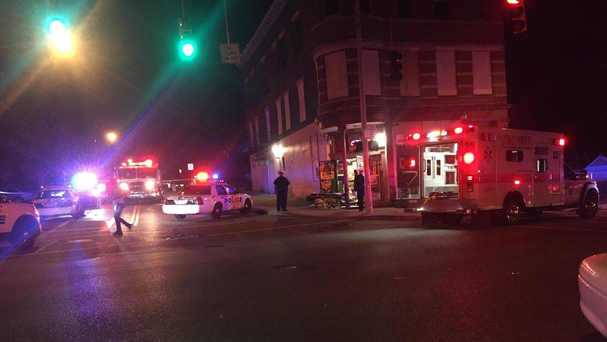 Police: Clerk shoots, kills man attempting to rob S. Fairmount store https://t.co/ociyXiJYXP