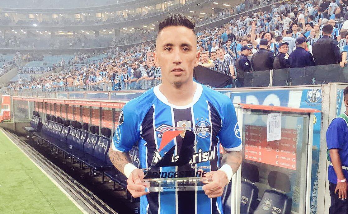 O atacante @LucasBarrios_ foi eleito o melhor em campo nesta noite! Nada mais justo! 👏🏽⚽️🇪🇪#Libertadores2017 #SoyLocoPorTri #QueremosACopa