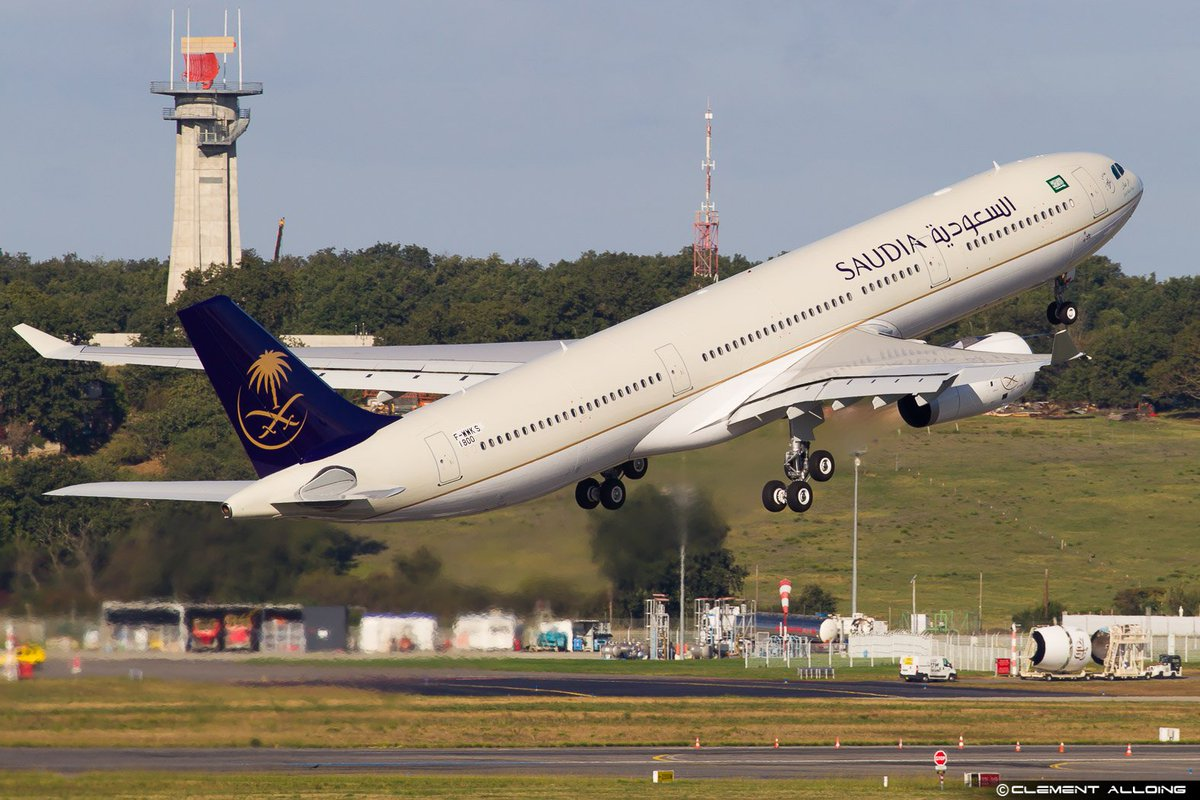 #Airbus mouvements on the 2 last days !! #avgeeks #toulouse <br>http://pic.twitter.com/zjsKcYULJH