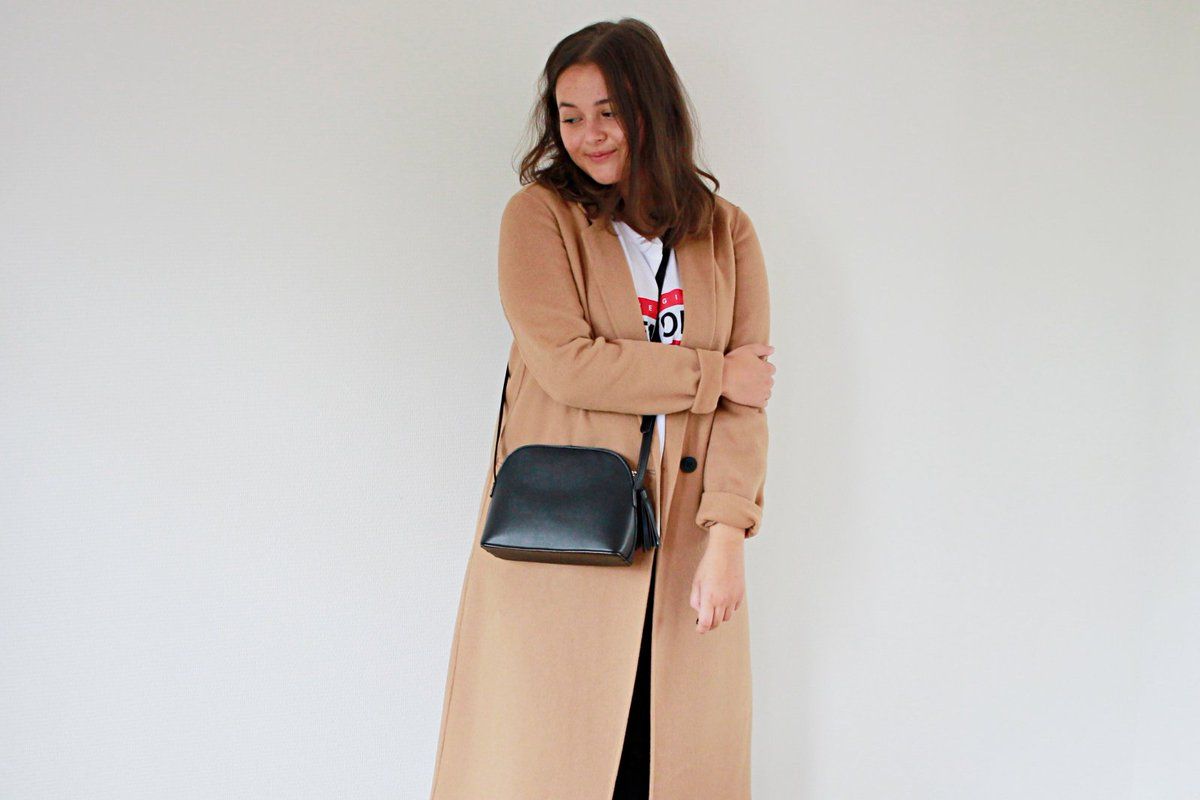 Morning! Have you seen my latest outfit post yet on the blog?  https:// styleandsushi.blogspot.com/2017/09/outfit -autumn-and-camel-coats.html &nbsp; …  @FemaleBloggerRT #BloggingGals #TheBloggersHub <br>http://pic.twitter.com/kT6AKrykS2