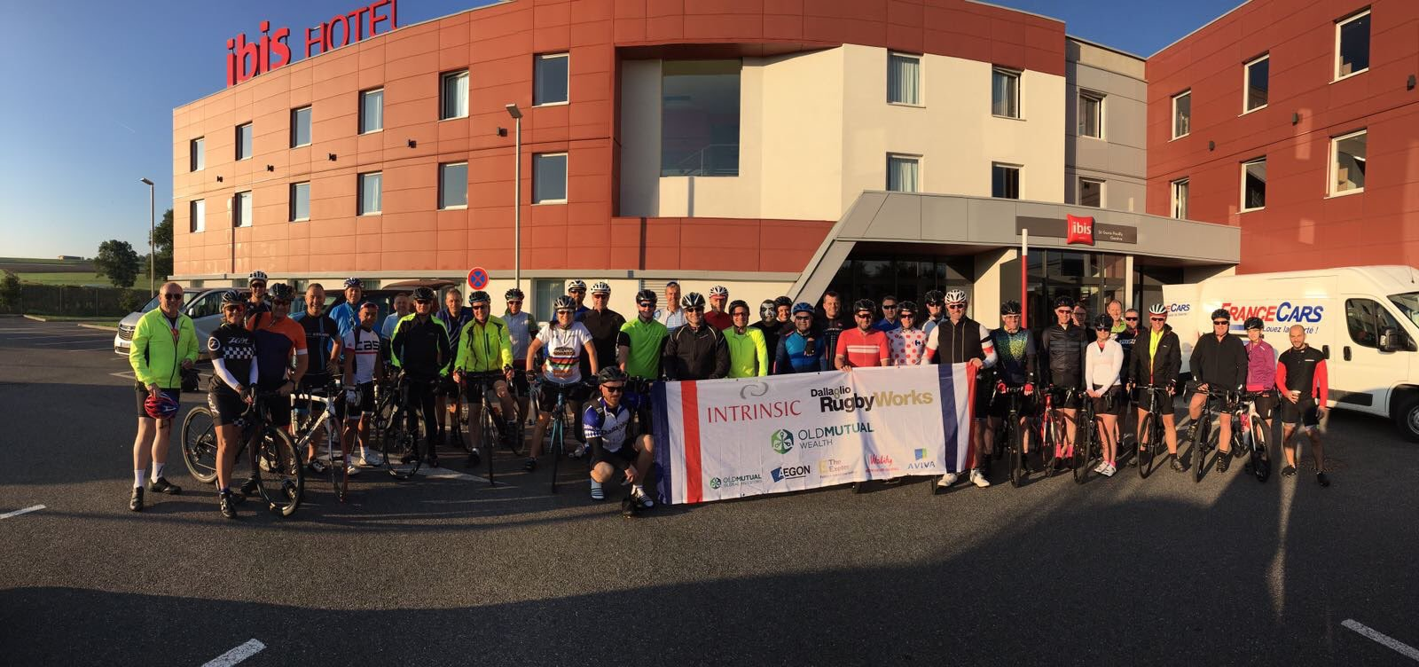 They're ready for the off! Nearly 100km today on day 1 of #IntrinsicRide Good luck! https://t.co/MLt6M6NgrG