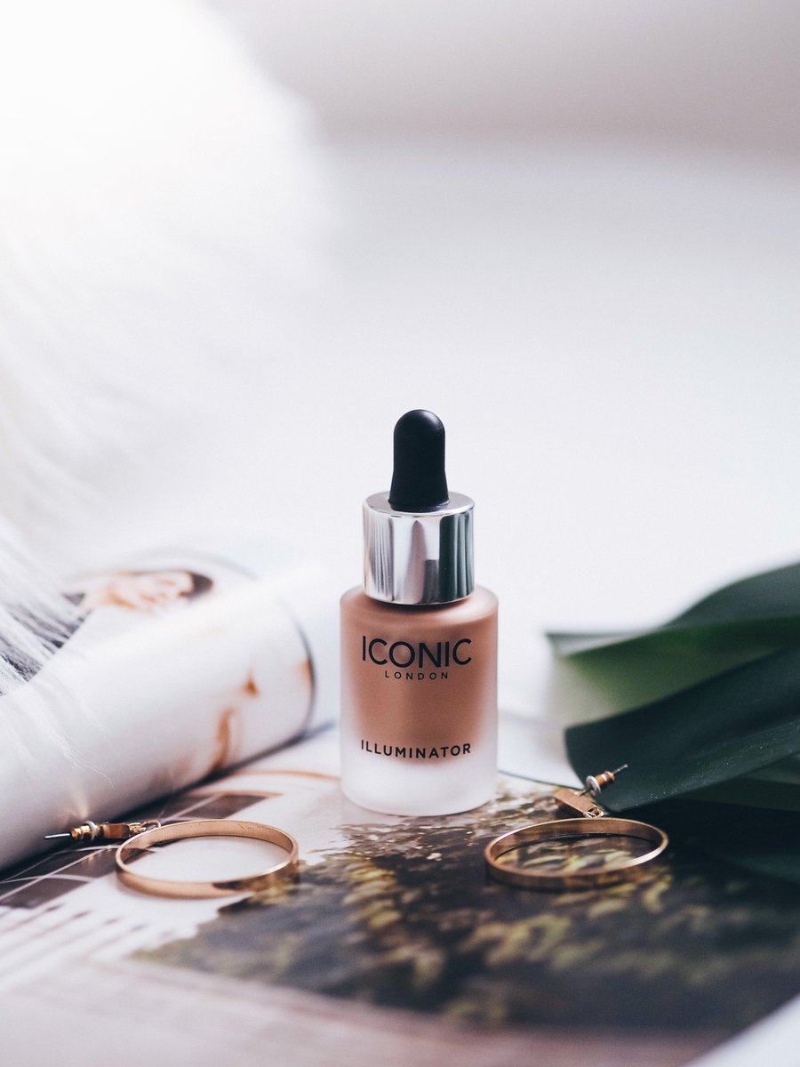 How To Maintain (fake) A Summer Glow -  http:// ow.ly/Sp0j30eVjSZ  &nbsp;   @FemaleBloggerRT #bbloggers #BloggingGals <br>http://pic.twitter.com/YMHVpcVKpj