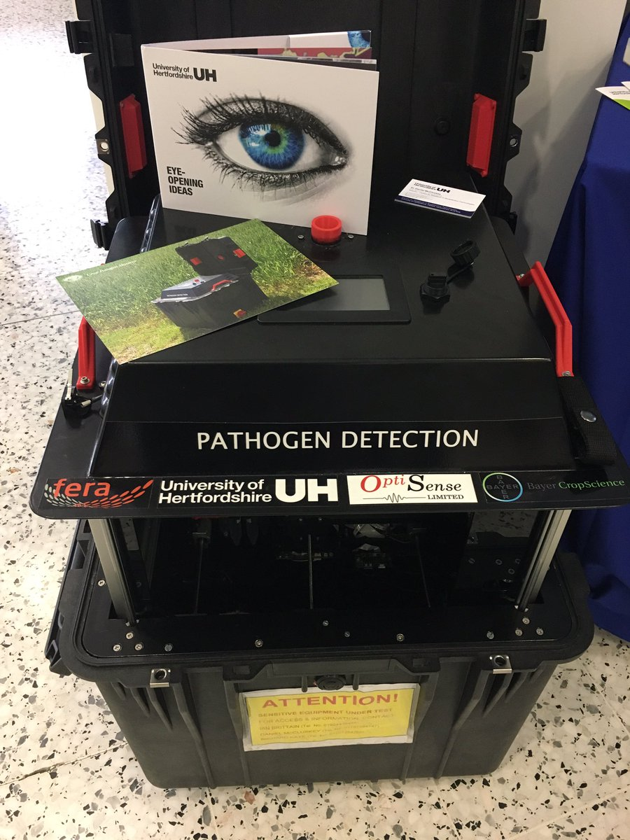 We have @LacrosseDan&#39;s Pathogen Dector here at #VFE17 - just leave in your field and know in real-time the #pathogens in your #crops<br>http://pic.twitter.com/QJDKPro9F1