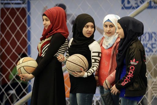 Syrian #GirlsCouts: A chance for survival amid devastating war (PHOTOS...