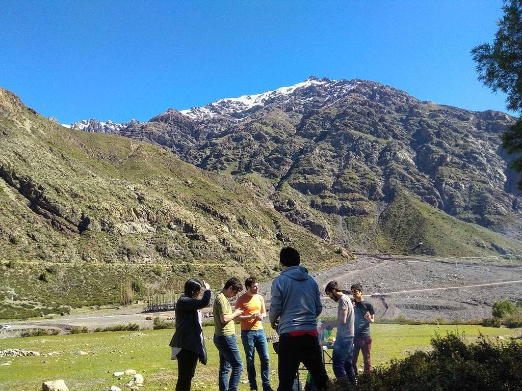 BBQ with a view. #welcuteam  #18 #tbt #Chile #cajondelmaipo #LatinAmerica #startuplife  #WorkFromAnywhere #outdoor…  http:// ift.tt/2ys0MfP  &nbsp;  <br>http://pic.twitter.com/gXsnAo3sbS