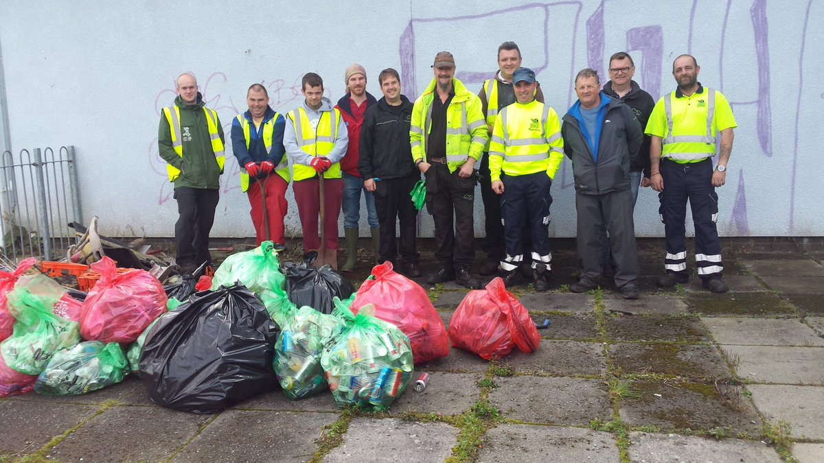 Lots of agencies and #volunteers cleaning up the Gurnos today. Over 50 bags of litter collected. #dontfeedSimon<br>http://pic.twitter.com/RkKzuSED54