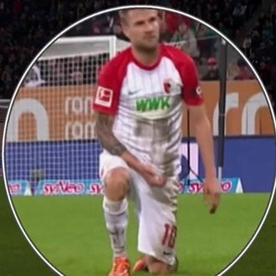 Simula di masturbarsi in campo. Squalificato e multato Baier dell'Augsburg - https://t.co/UDkvBQxWjI #blogsicilianotizie #todaysport