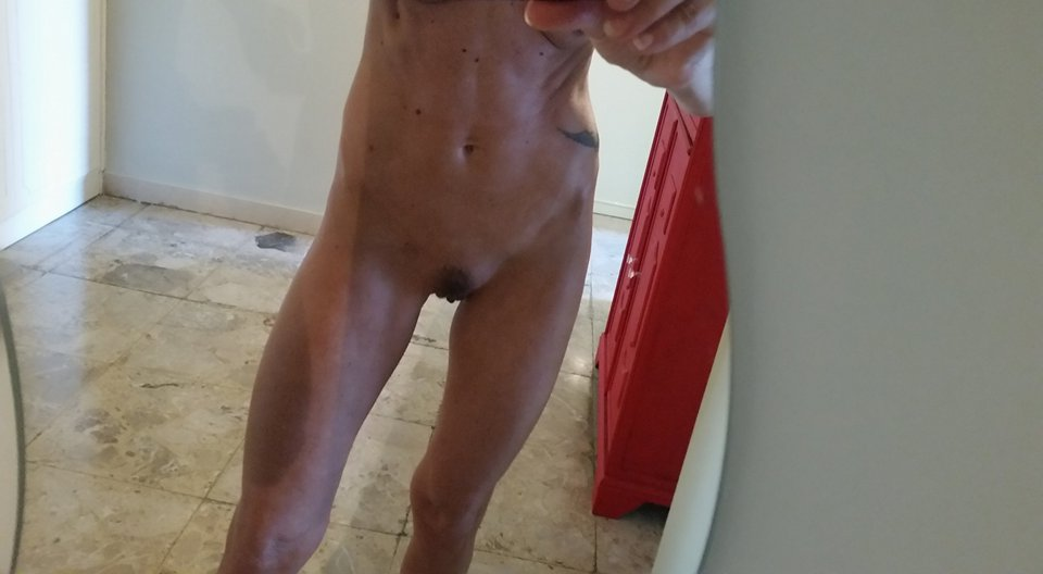 Nude Selfie 11220