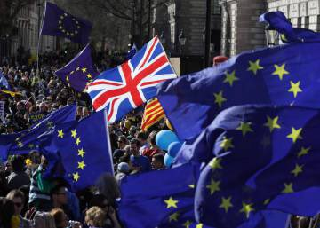 I used to love my home (UK) but now it&#39;s full of #Brexit wankers &amp; scummy #UKIP voters! Fuck Brexit, Fuck the #Tories, Fuck #racist Britain! <br>http://pic.twitter.com/JhoVP627rN