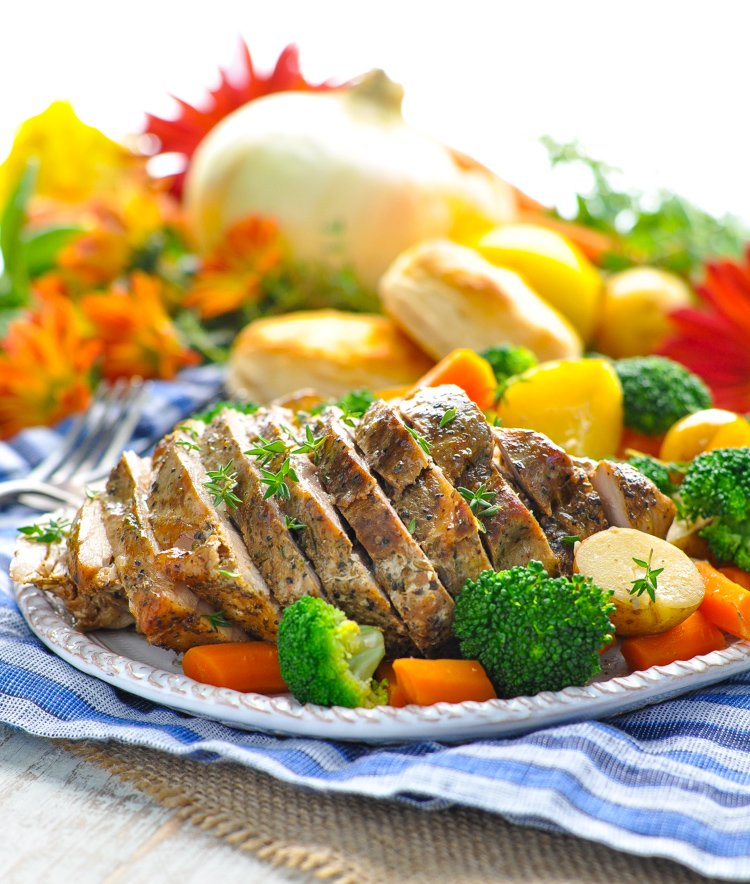 Garlic &amp; Herb #SlowCooker #Pork and #Vegetables! #dinner #RealFlavorRealFast #ad @SmithfieldBrand #recipe  &gt;&gt;  https://www. theseasonedmom.com/slow-cooker-po rk-vegetables/ &nbsp; … <br>http://pic.twitter.com/7I2xcBPtQu