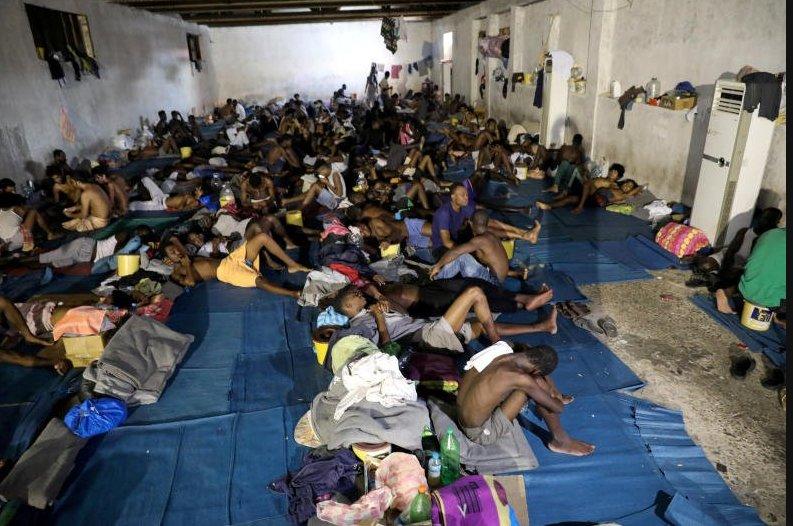 Libya'da göçmen teknesi battı: 100'den fazla kayıp