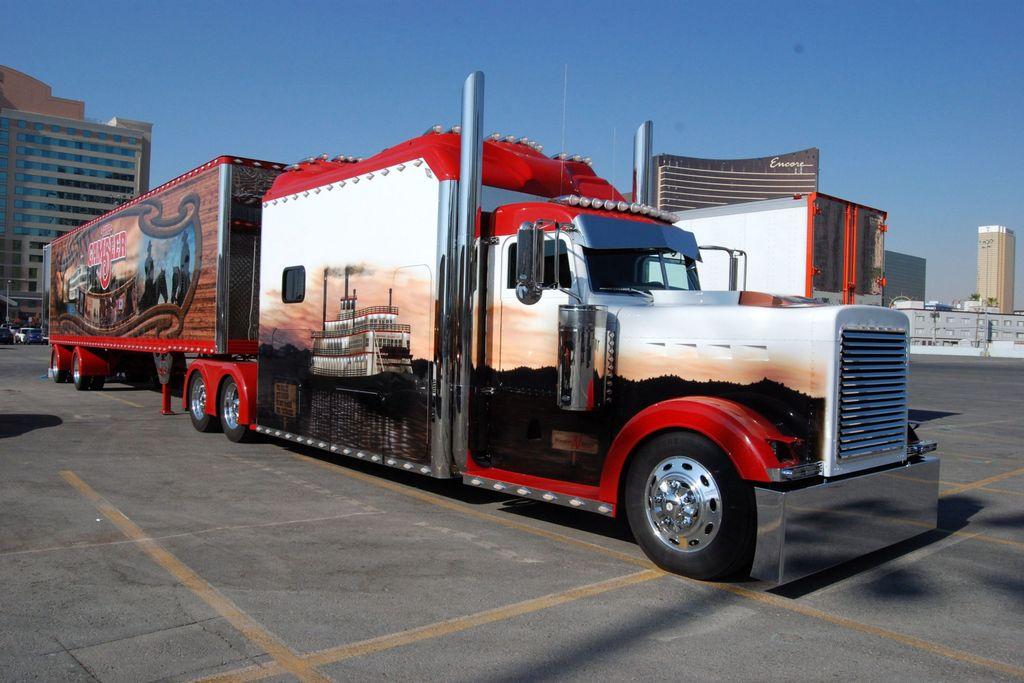 Hey man, think your truck is big enough?  Wonder if it has a hot tub?!? @peterbiltmotors #peterbilt #truck #bigrig #customrig #chrome #semi<br>http://pic.twitter.com/aNkSEduJra