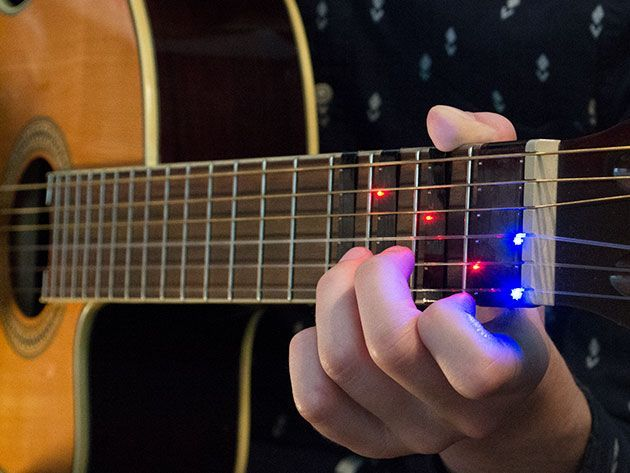 This attaches to your guitar & shows with lights where to put your fingers so you can learn chords 🎸36% off today https://t.co/KjmnIIi6ur