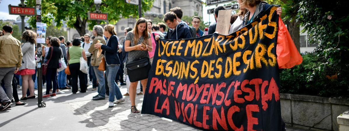 'Deux pions pour 1 300 élèves' : des lycées de Seine-Saint-Denis protestent contre la suppression des contrats aidés https://t.co/foKKV5YbLc