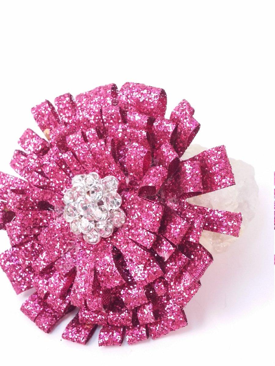 Shabby Chic Pink Glitter Pin/Brooch Hair Clip  https:// seethis.co/1yyr55/  &nbsp;   #gifts #wood <br>http://pic.twitter.com/pWCH34yrCI