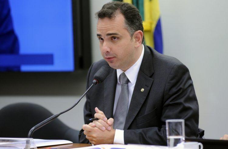 Presidente da CCJ admite que denúncia contra Temer pode ser votada em plenário antes do dia 12 https://t.co/1eQY7EYz4h