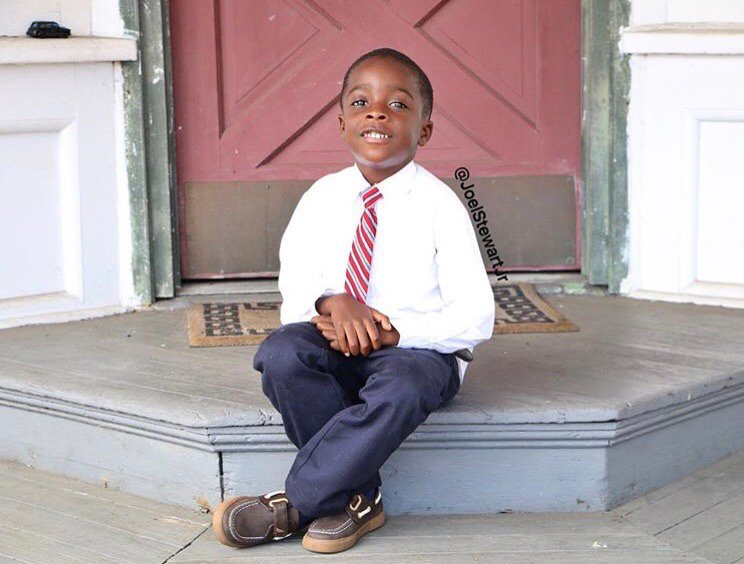 Good morning everyone! My big boy wants you all to smile today  #momlife <br>http://pic.twitter.com/E9VhkRu8EA