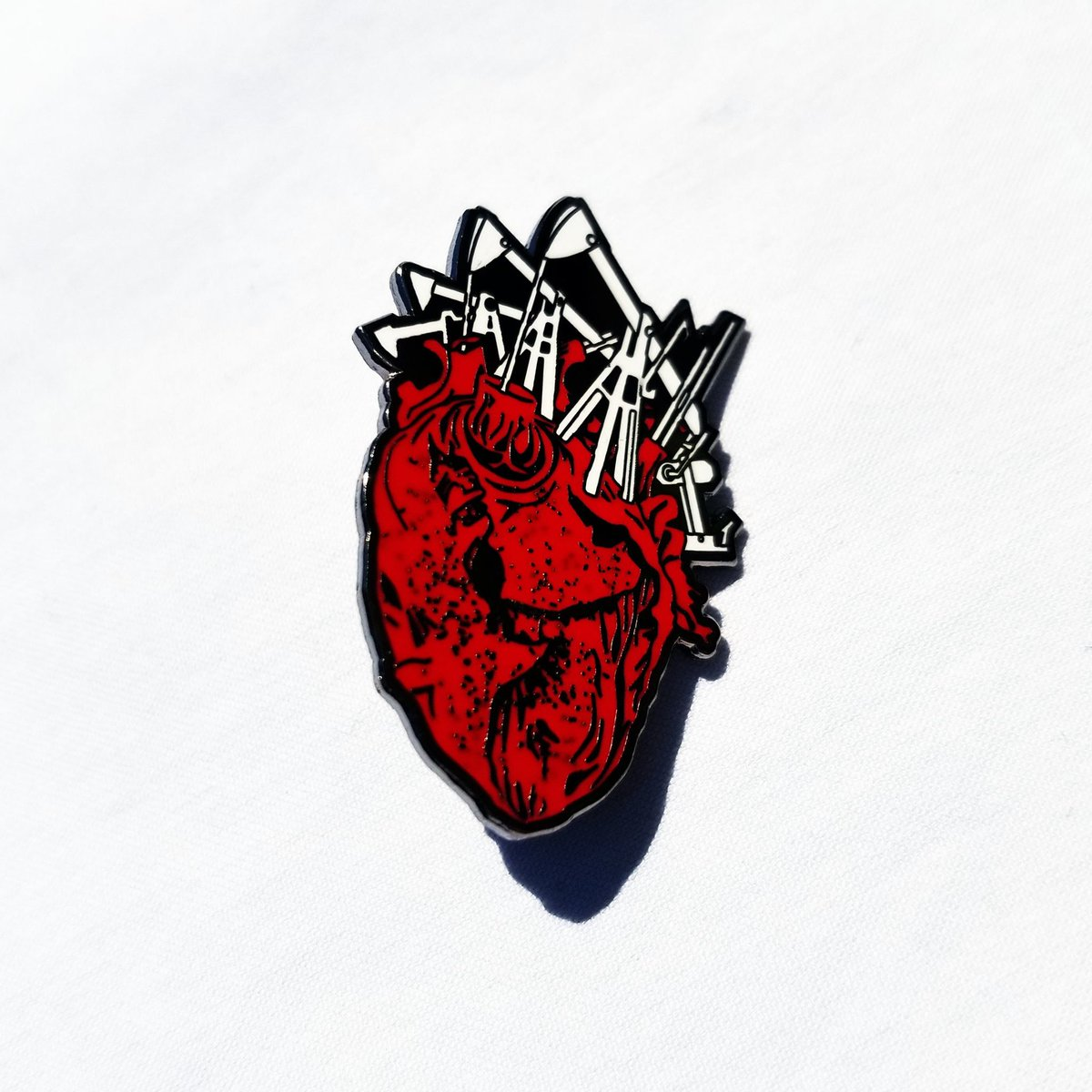 The last 3 limited edition SFR #LapelPins sold out in under 36 hours!  Don&#39;t miss the new @SageFrancis #HTDD10 pin:  https:// store.strangefamousrecords.com/collections/hu man-the-death-dance-10th-anniversary &nbsp; … <br>http://pic.twitter.com/O2MWNDPkOn