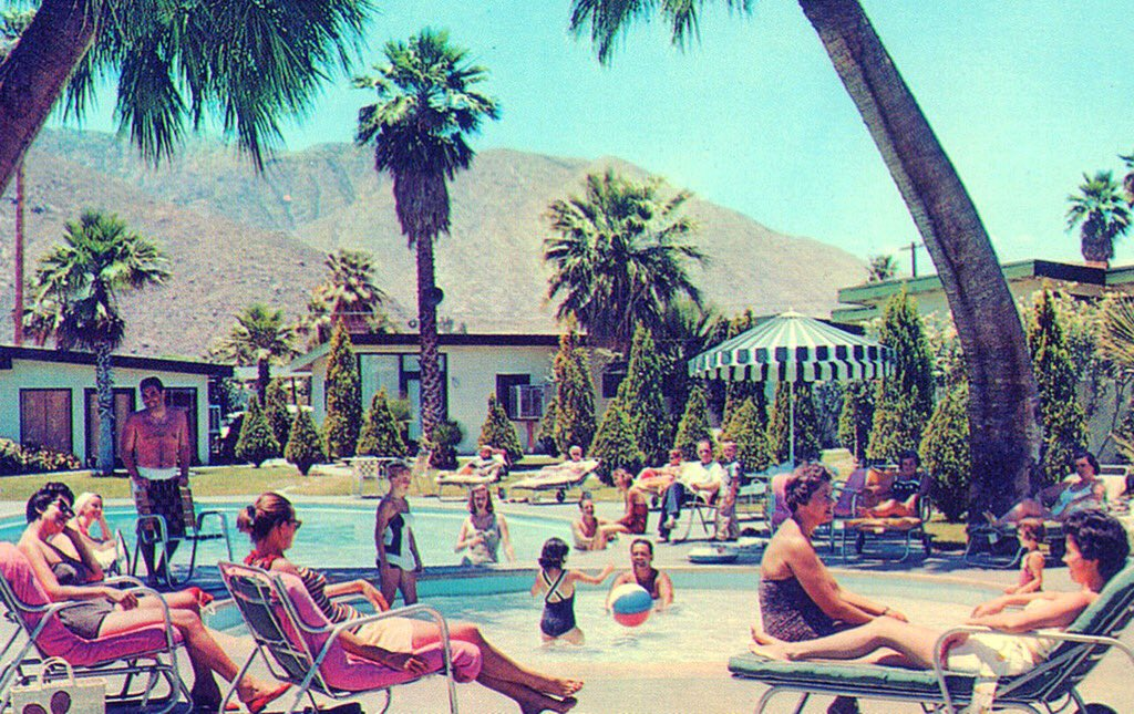 Back in the day, there was more than one palm at The Lone Palm Hotel  #tbt #throwbackthursday #palmsprings #coachella #coachellavalley<br>http://pic.twitter.com/fBCZComWAR