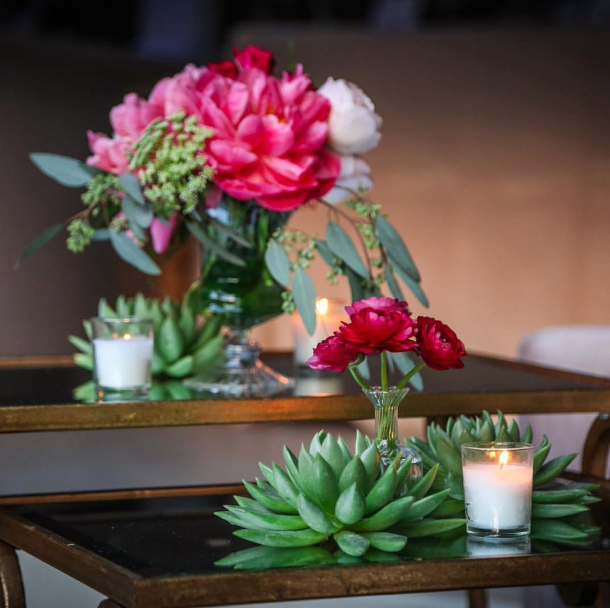 Pop of Peonies #itsallinthedetail #cateredperfection #wedding #style #miamiliving #design #vintagestyle<br>http://pic.twitter.com/Bk4DFBkka7