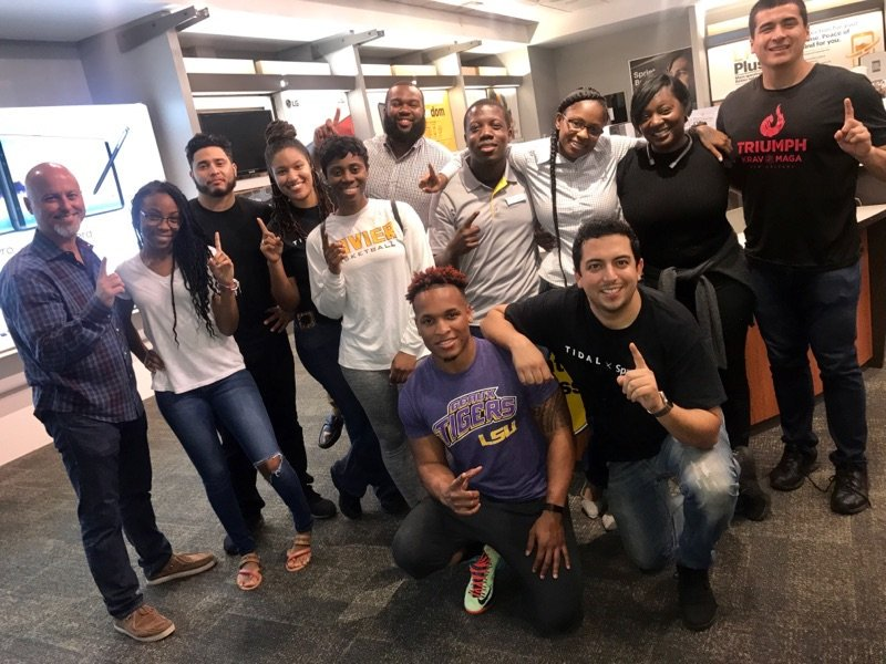 Love this @SprintSCentral Elmwood team! I had a great time cooking and eating burgers with you all last night! #GoodTimes #GreatTeam #10-40 <br>http://pic.twitter.com/U1EjFrtC7D