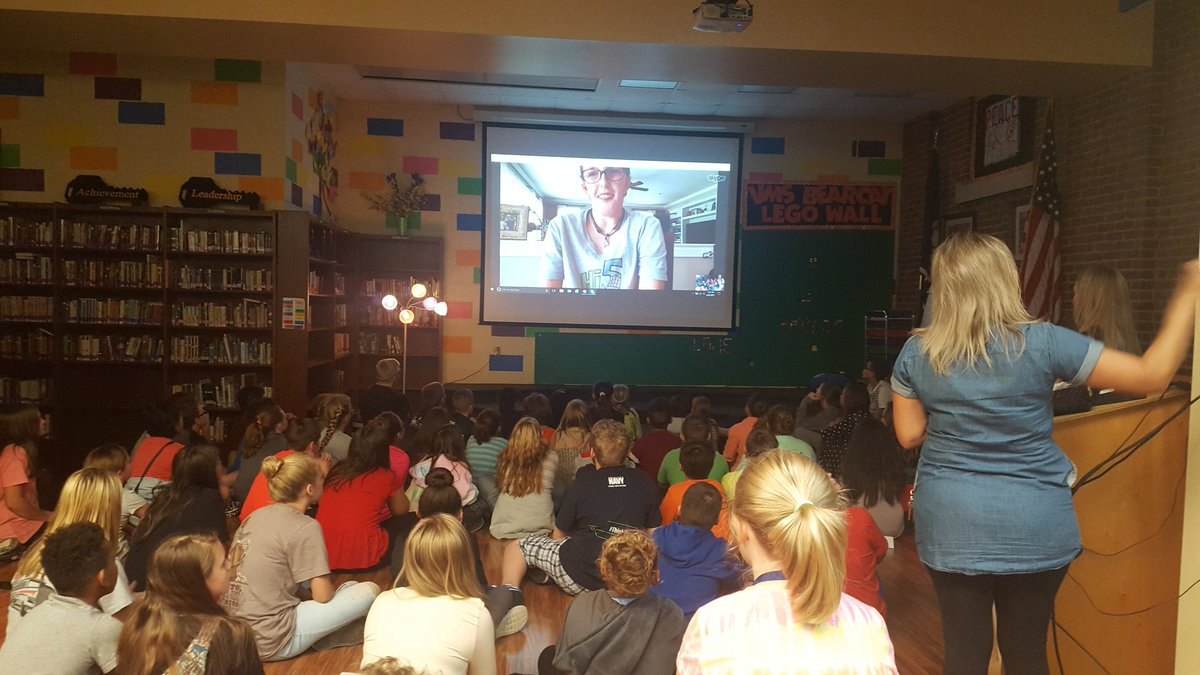 What a wonderful experience! 6th grade skyping with &quot;Real Life Auggie&quot; Thanks @tlc1823 for making this happen! #vmschoosekind #wonder <br>http://pic.twitter.com/Vu1XGYiPIL