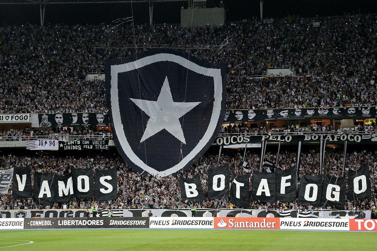 🎶 Quero voltar para a Libertadores / e conquistá-la no ano que vem / essa torcida que não te abandona / essa torcida que só te quer bem 🎶