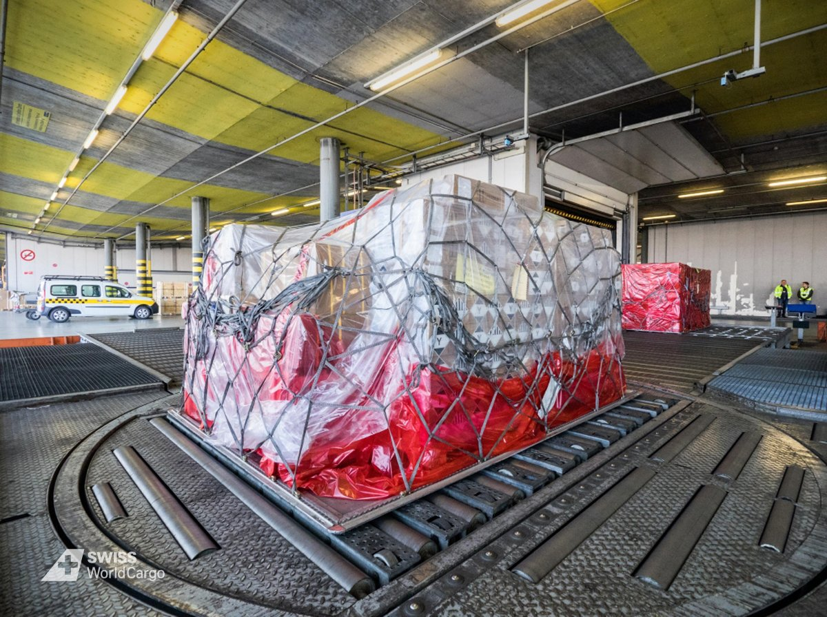 #HubDay: This pallet is fully packed and ready to get loaded on the aircraft. Let&#39;s go to the tarmac! #aircargo #logistics #tarmac #aircraft<br>http://pic.twitter.com/QgbUbdq8ol