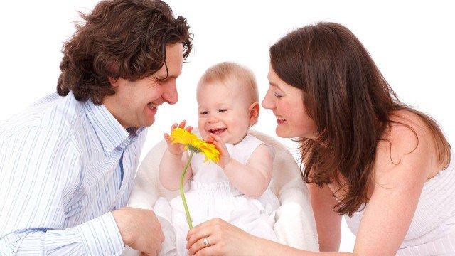 Alterações no DNA do bebê são mais impactadas pela idade do pai do que pela da mãe https://t.co/WMlH1Ivogt