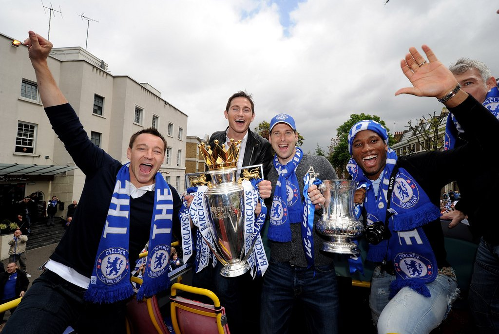 RT for Cech, Terry, Lampard &amp; Drogba LIKE for Casillas, Ramos, Guti &amp; Raul #ChelseaFC #RealMadrid <br>http://pic.twitter.com/TVfEqbDODm