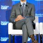 カナダの首相、靴下にチューバッカを仕込むとは相当な強者と見た。 pic.twitter.com/2m…
