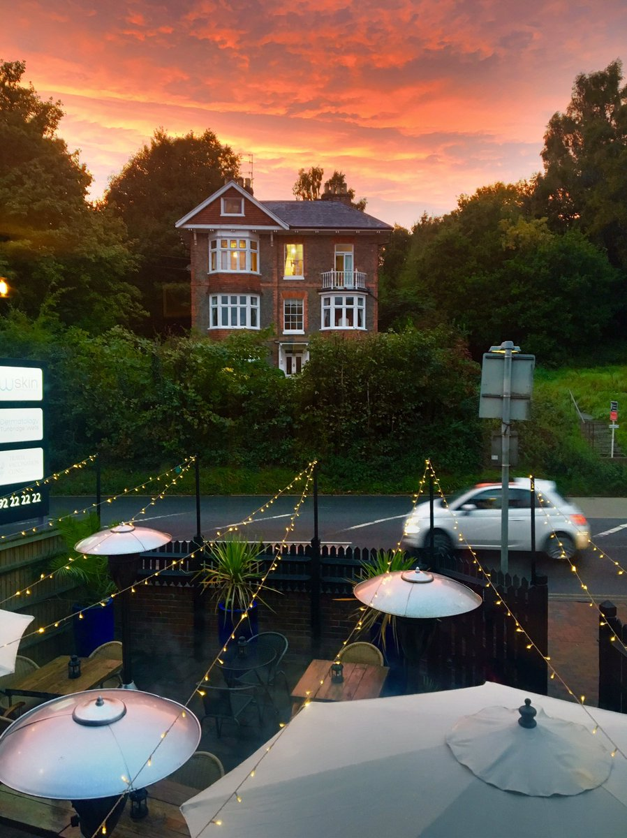 Sunset at The Hide Out #sunset #Thursday #restaurant #TunbridgeWells<br>http://pic.twitter.com/Mqylqbl9m2