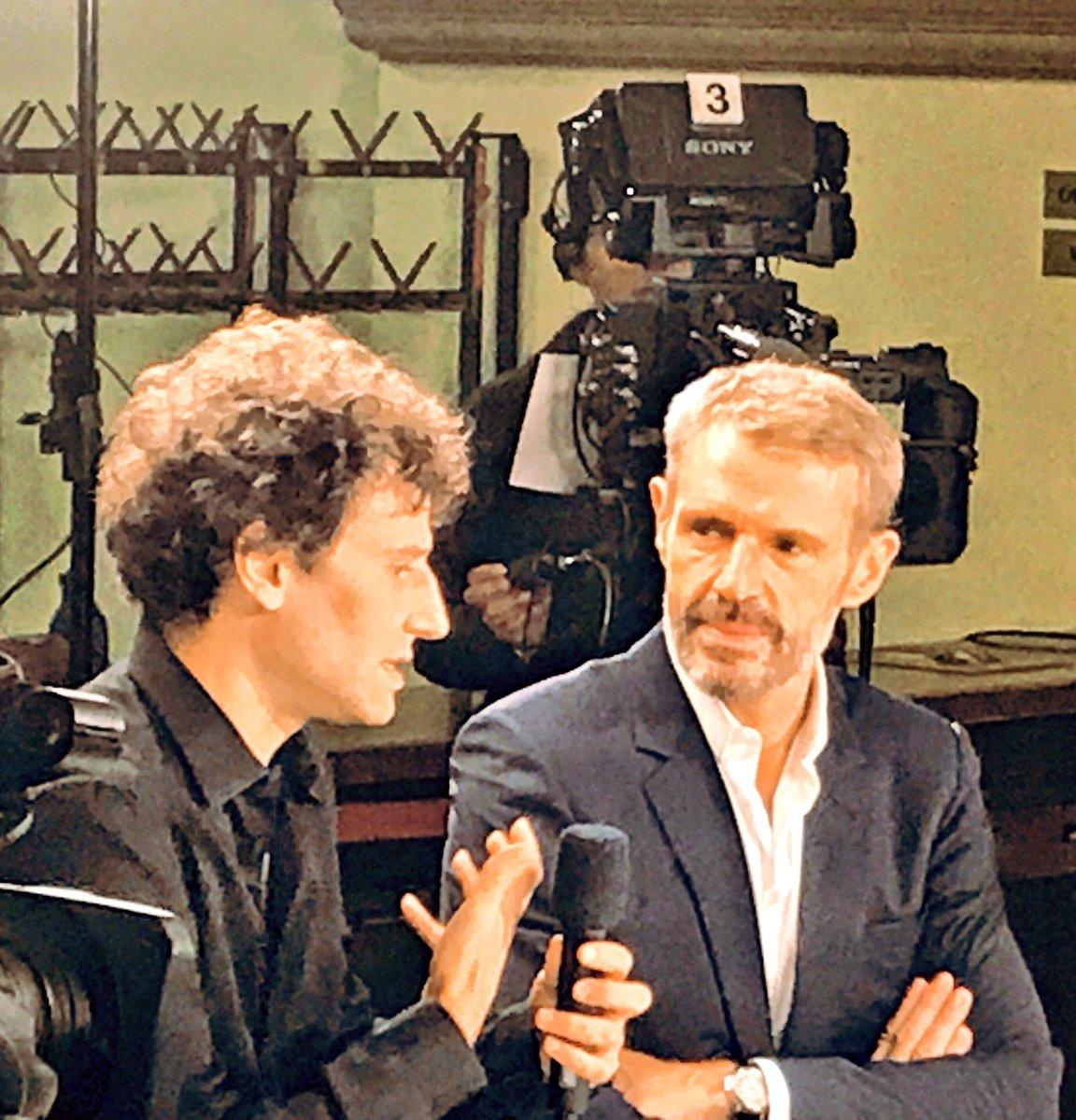 #lambertwilson & @greilsammer sont les invités ce soir à 22h40 de l'émission @rtslapuce sur @RadioTeleSuisse #àvospostes https://t.co/buZvO8Uczj