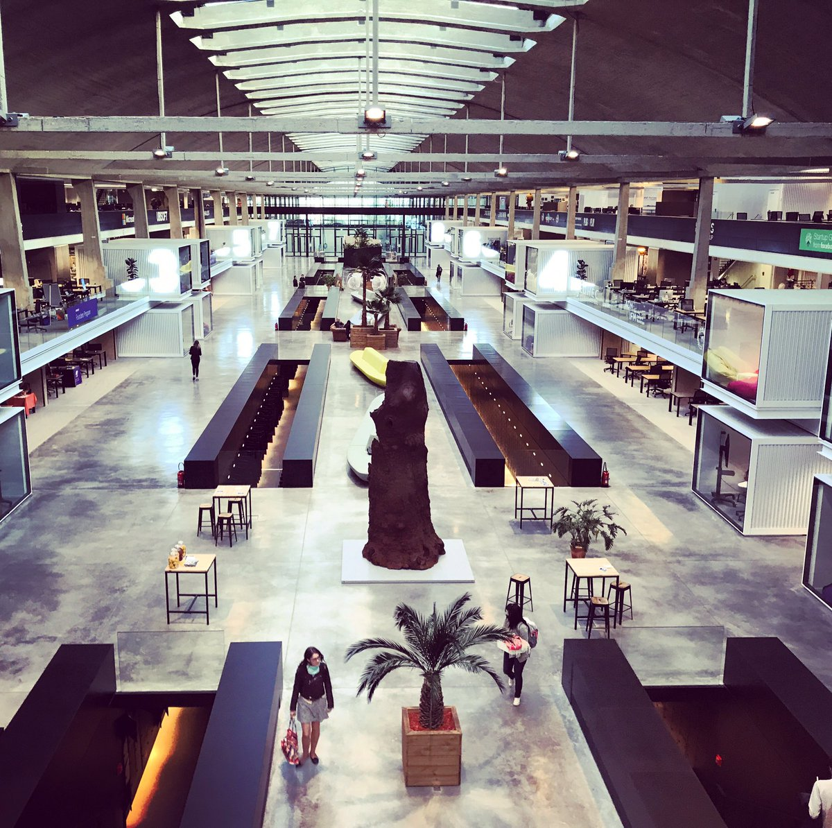 The onboarding day at @joinstationf  Proud to be part of world&#39;s biggest #startup campus  #mystartuplife #FrenchTech #Fellowship <br>http://pic.twitter.com/yUzqct8kEr