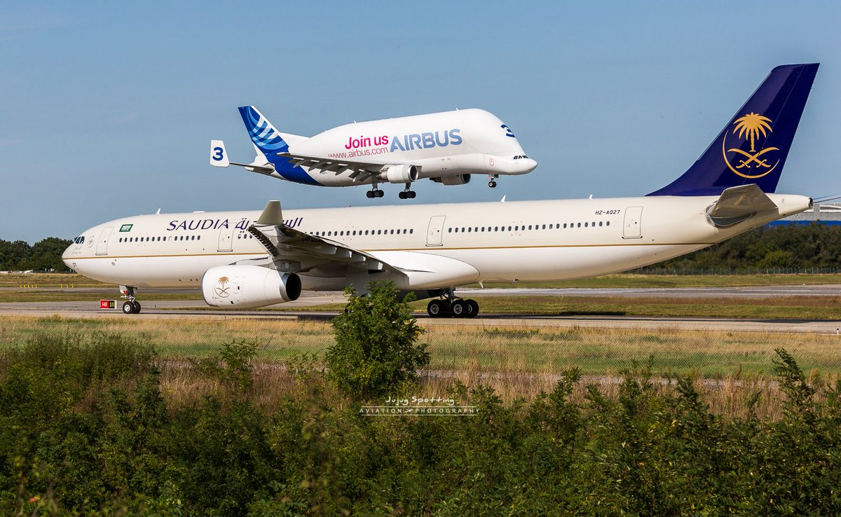 In #Toulouse you can see #A300-600ST #Beluga land on #A330 ! #Avgeek #Travel #Sudia<br>http://pic.twitter.com/56lTsHvVcA