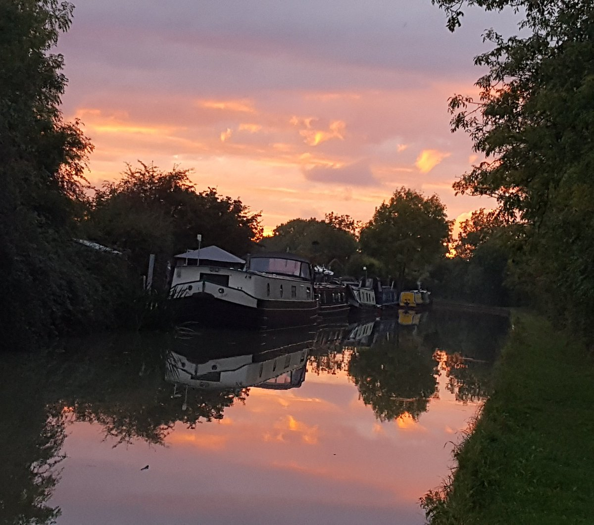 Thank you so much for all your recent Rts &amp; likes, much appreciated   Tonight&#39;s #Sunset pic #boatsthattweet<br>http://pic.twitter.com/MU255CX72j