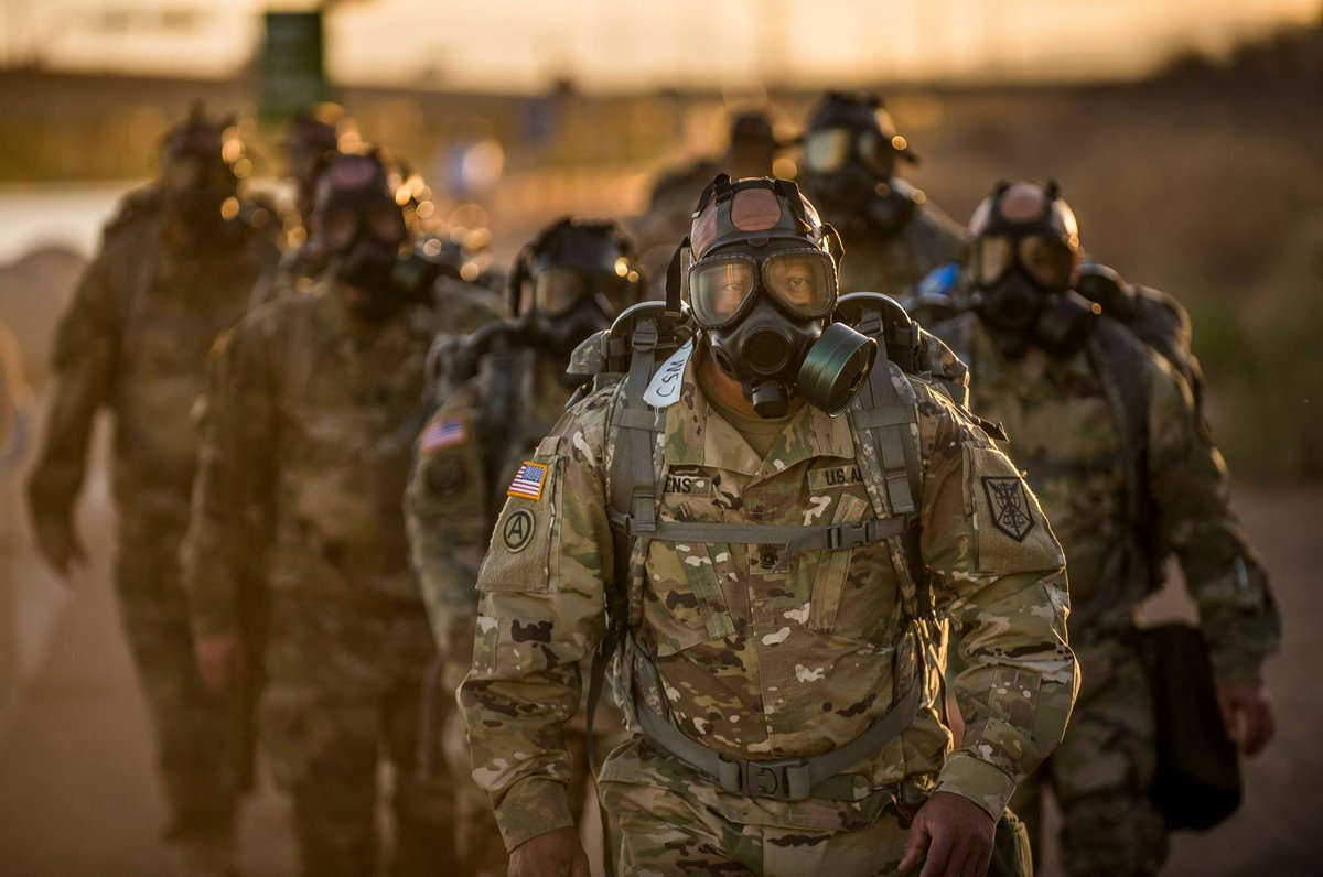 Rucksacks and gas masks  @200thMPC #USArmy sergeants conduct team-building exercise during a CSM Huddle. #Soldiers<br>http://pic.twitter.com/UawFJsKfYi