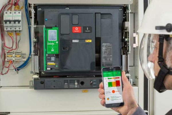 Could #ecostruxure power from @SchneiderUK enhance your business? #smartbuilding #buildingautomation  http:// ow.ly/X5Tu30feufs  &nbsp;  <br>http://pic.twitter.com/CWZzHoOadc