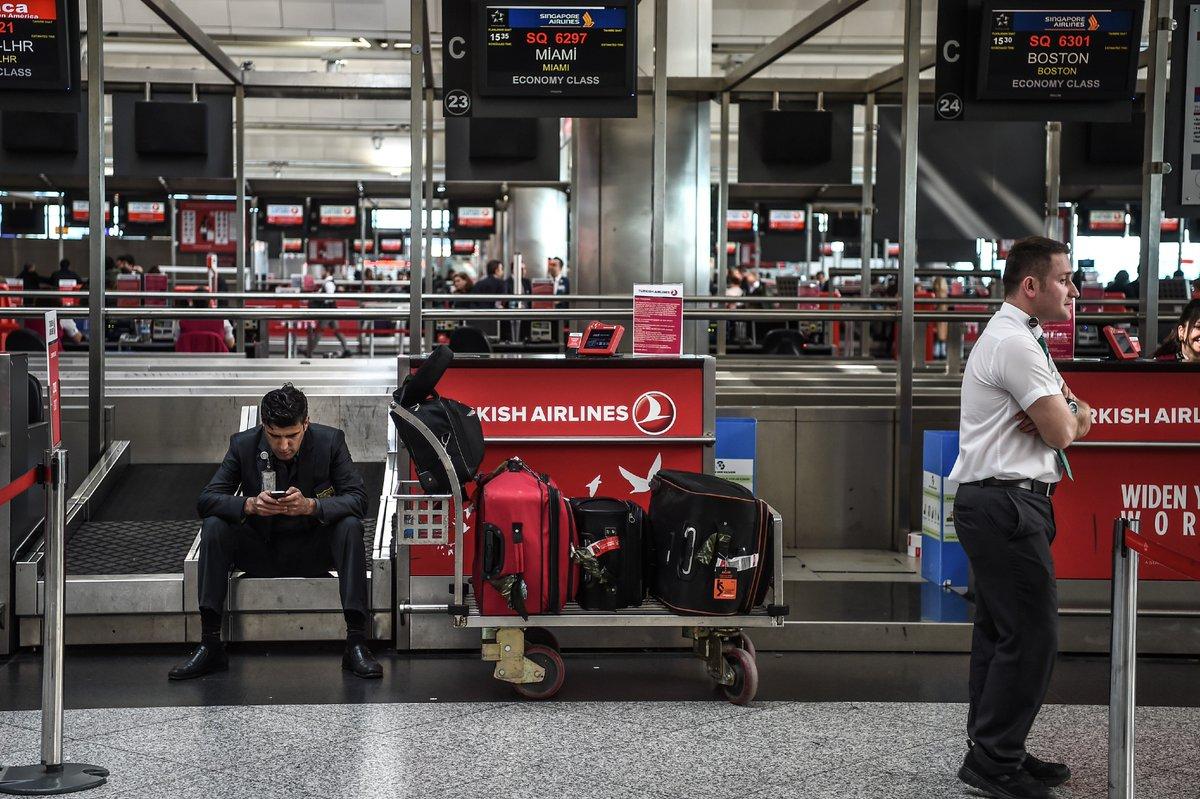 L'aéroport d'Istanbul fermé après le crash d'un avion privé https://t.co/sI0jPdhv63